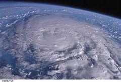 300px-Typhoon_200418_SONGDA[1].jpg
